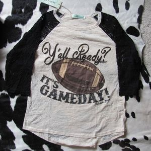 SOUTHERN GRACE ITS GAME DAY SHIRT LACE SLEEVES MAC